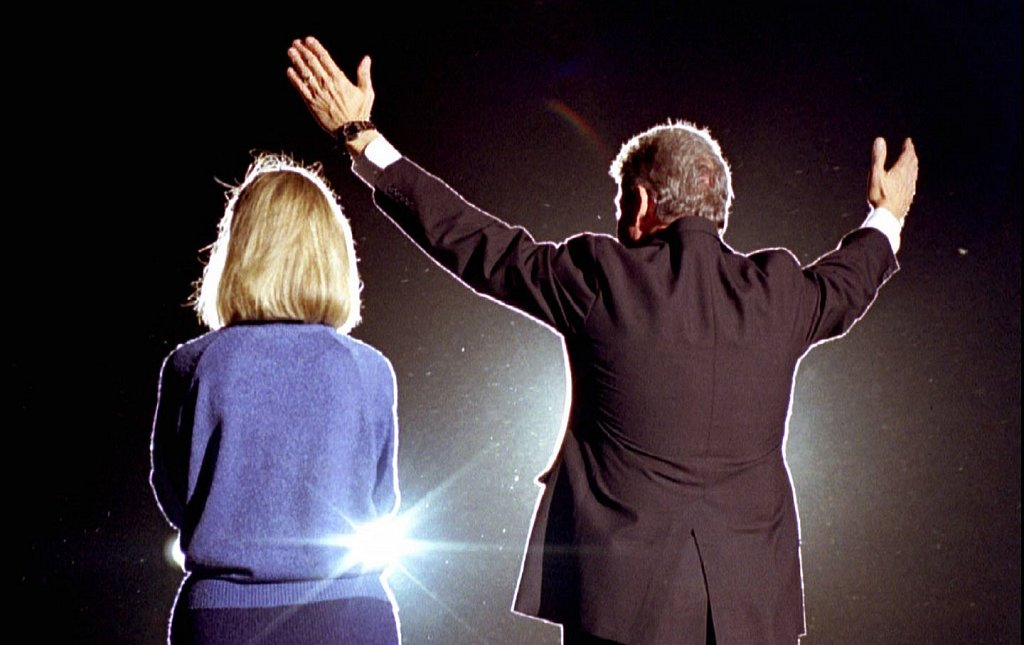 hillary-and-bill-clinton-1992-rtr-img.jpg